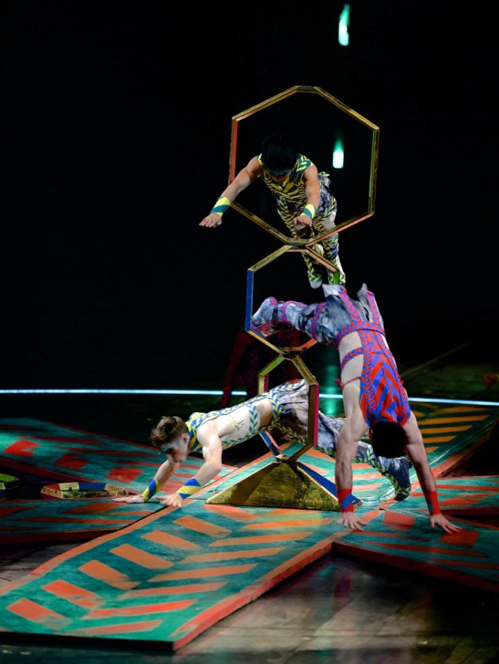 09_VOLTA_URBAN_JUNGLE_002_Photo_credit_Michael_Kass_costumes_Zaldy