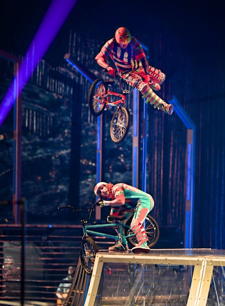 15_VOLTA_BMX_006_Photo_credit_Michael_Kass_Costumes_Zaldy